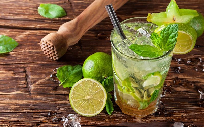 Erfrischende Sommer Cocktails Caipirinha