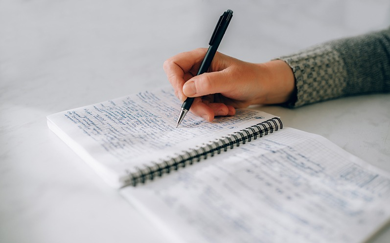 Graphologie: Was Deine Handschrift über Deine Persönlichkeit aussagt