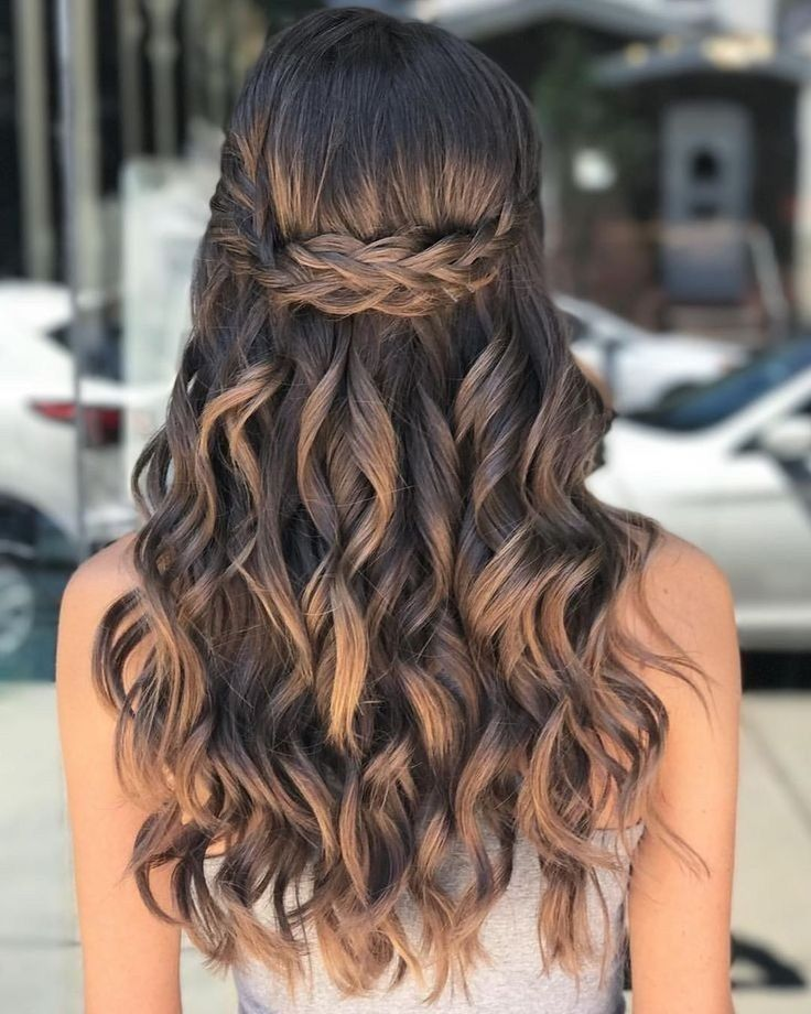 40 Pretty Prom Hairstyle Ideas for Curly Long Hair…