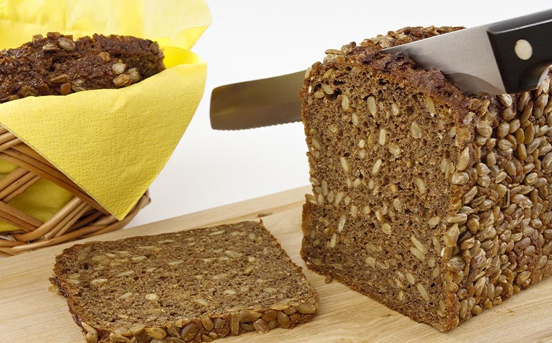 Gesundes Brot selber backen: Low-Carb-Brot